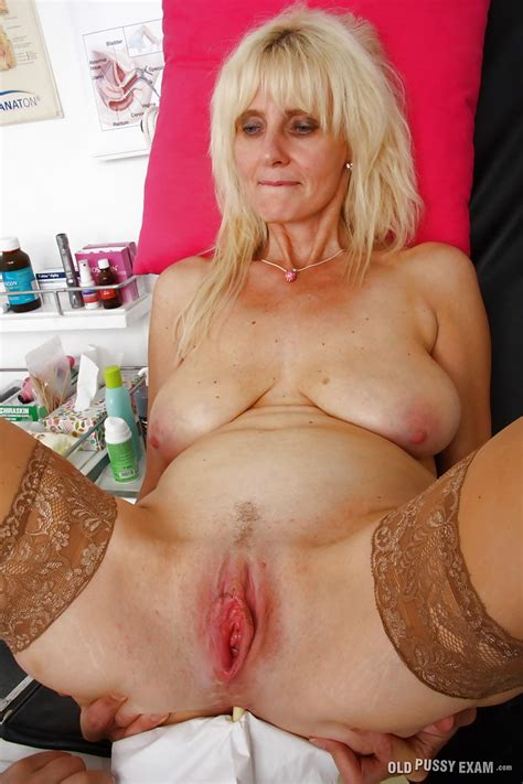blondes pussy docter sex jpg 682x1024