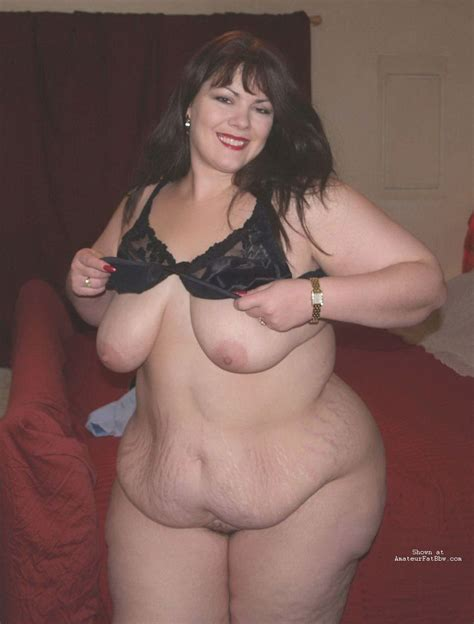 gigantic naked woman jpg 957x1260