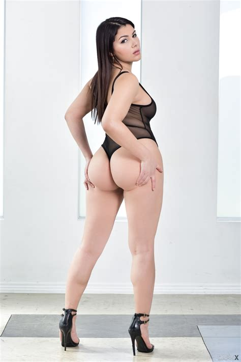 Porn pics of youngest nude girls 18 23 page 1 jpg 853x1280