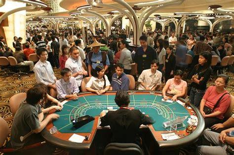 Laos poker jpg 500x333